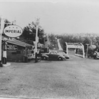 Early Pigeon River bridge to U.S.A. boundary and Pigeon River Hotel